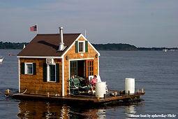 Houseboat by spfarrell47- Flickr