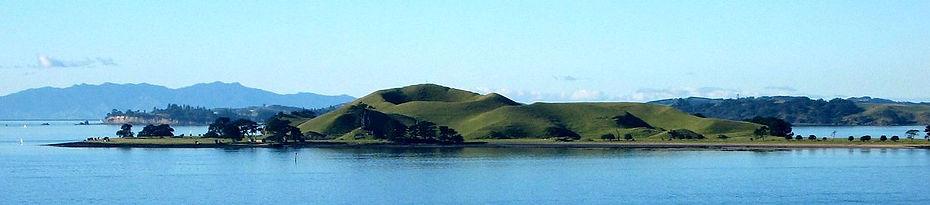 Browns Island  By Avenue (Wikimedia).jpg