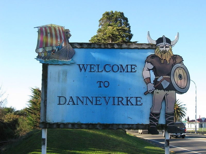 Dannevirke Welcome sign by Peoples Network