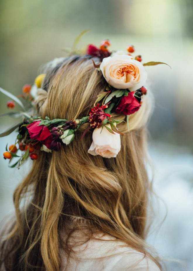 #flowercrown #bridalhairaccessories #weddinghair