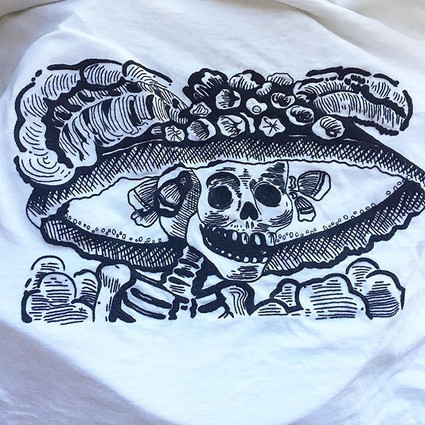 """""""La Catrina"""" T-shirt embroidered by hand"""