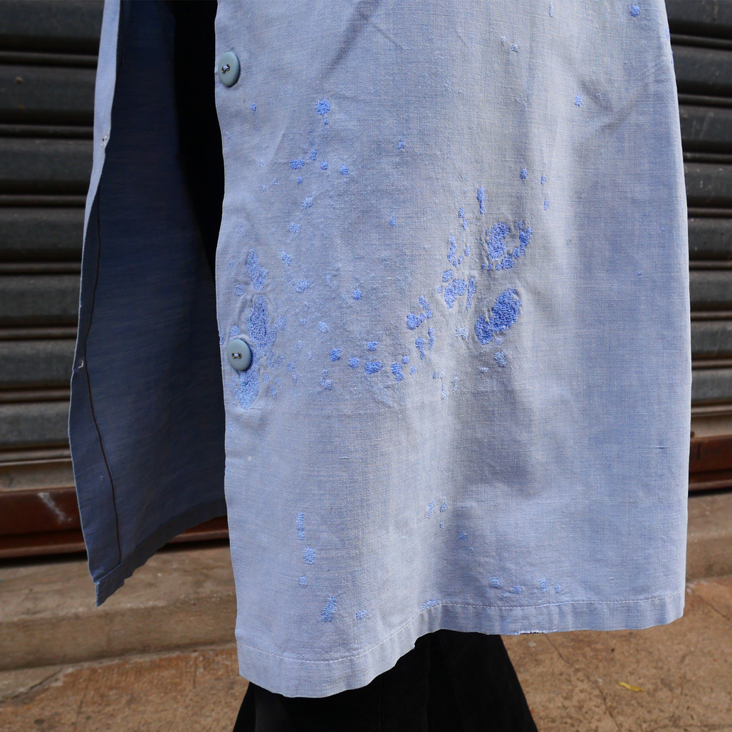 Vintage french school uniform from thr 50's, embroidered by hand «Candy Candy» (japanese anime from the 70's). 100% cotton, 2 different fabrics ( 2 different blue), visible repairs and traces of bleach (nice!).  Size: Small  Only one !