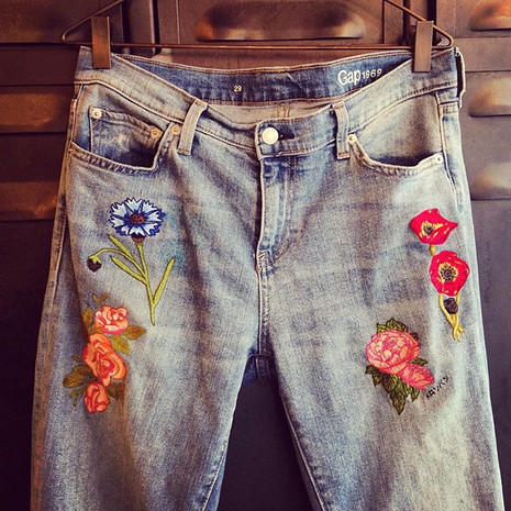 """Flowers"" jeans embroidered by hand"