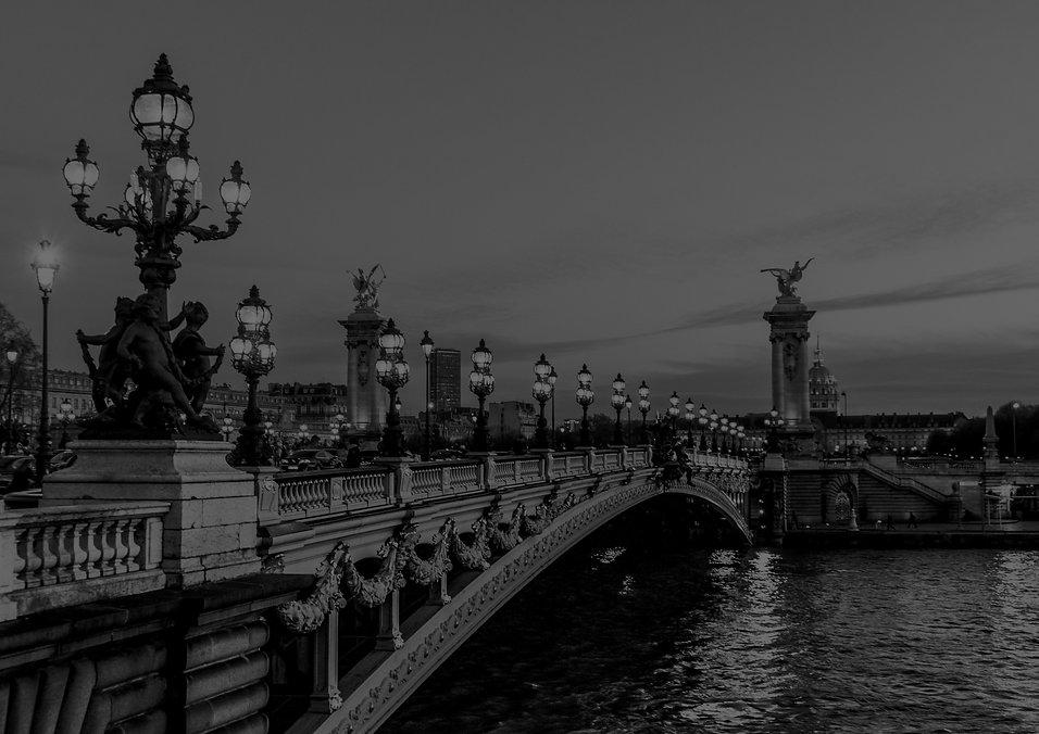 Parisian%2520bridge_edited_edited.jpg