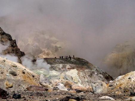 Восхождение в кратер Мутновского вулкана.