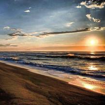 Рассвет на Халактырском пляже.