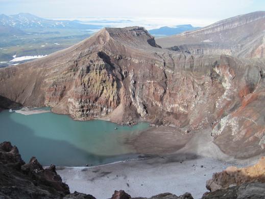 Кратер вулкана Горелый