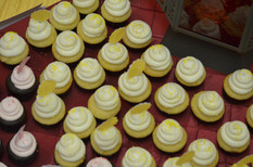 Mini Cupcake Bar.jpg