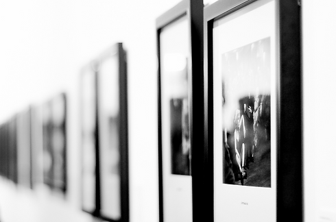 Picture exhibition black and white.png