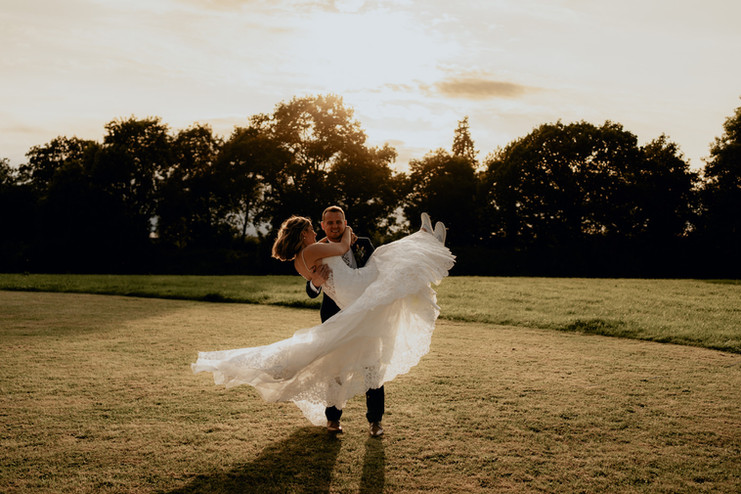 Cotswolds wedding photographer-83.jpg