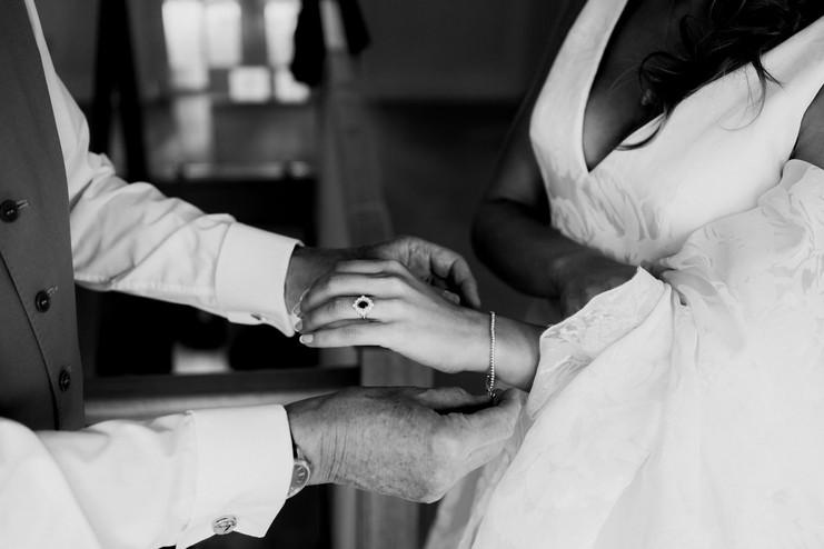 Cotswolds wedding photographer-28.jpg