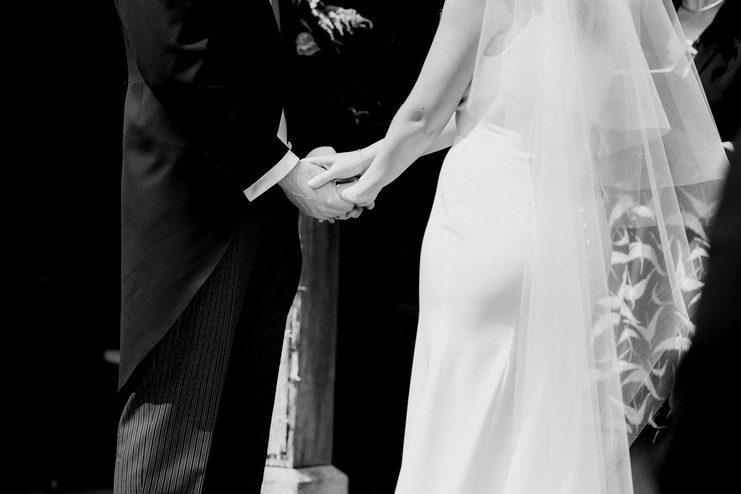 Cotswolds wedding photographer-53.jpg
