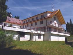08 - Hauptgebäude Hirschi