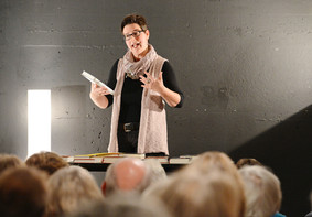Geteilte Begeisterung für das Buch - Bücherneuheiten mit Daniela Binder