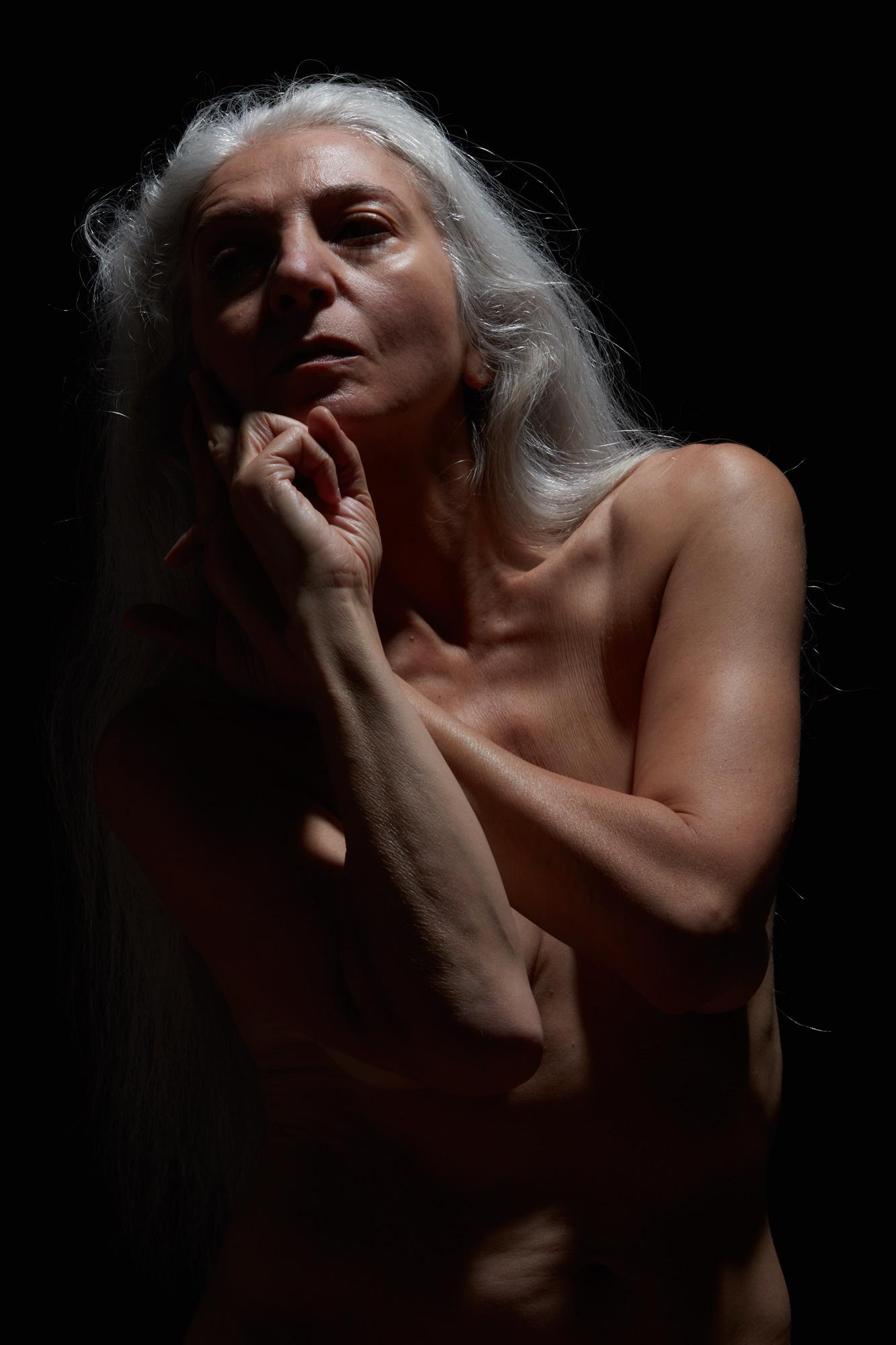 mature nude model Free
