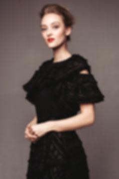 stine svart kjole.jpg