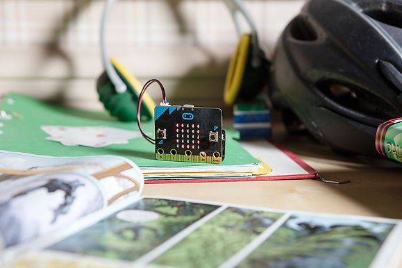 BBC micro:bit 英國BBC 30 年程式設計教育養成計畫