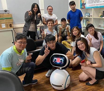 【EdTech特色辦學】亞洲大學導入陪伴機器人Zenbo參與社區活動
