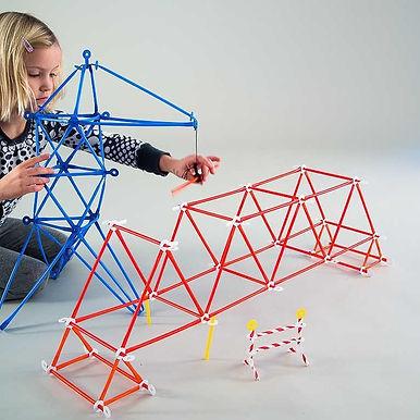 Strawbees創意吸管 玩中學, 自由拼接, 培養想像力及邏輯思維。