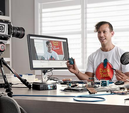 K12平價高性能虛擬攝影棚 誰說學校沒有教,網紅經濟學-SOEASY直播工作室!