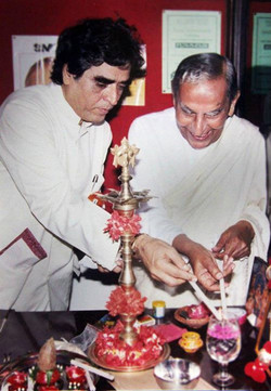 With Dada J.jpg P.jpg Vaswani at inaugur