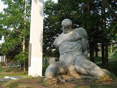 Братская могила в 13 борцах.jpg