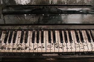 dirty piano 2.jpg