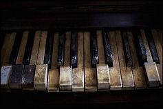 dirty piano 3.jpg