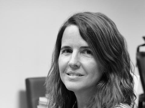 María Santos