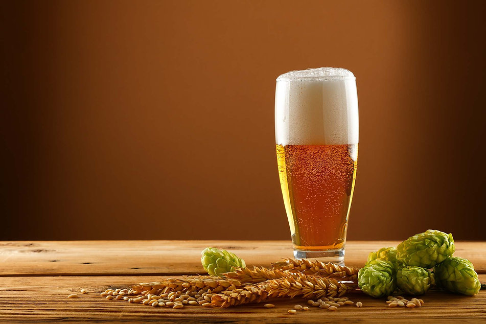 Beer-glass-with-hops-and-barley-750606.j