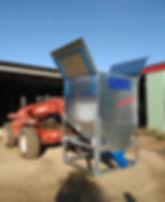 Container sur fourches avec toit