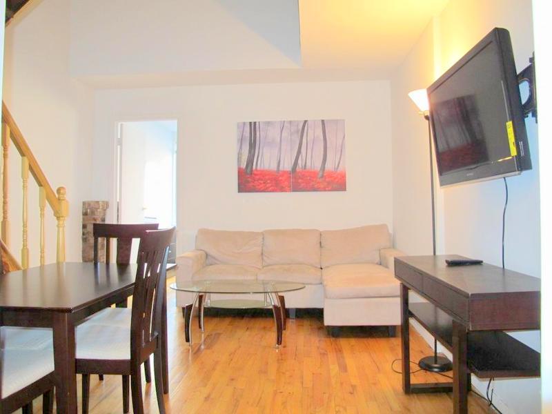 10-4E - Living Room