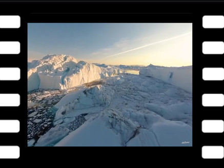VR: Tranquil Tour of Greenland's Icebergs