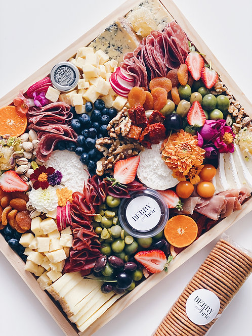 FESTIVE CHEESE AND CHARCUTERIE PLATTER