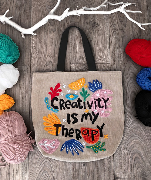 """Shopping bag con ricamo """"Creativity is my therapy"""""""