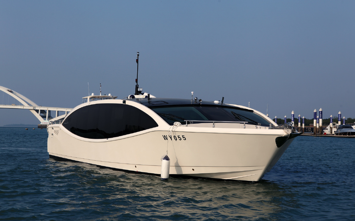Sea Stella 53 03.jpg