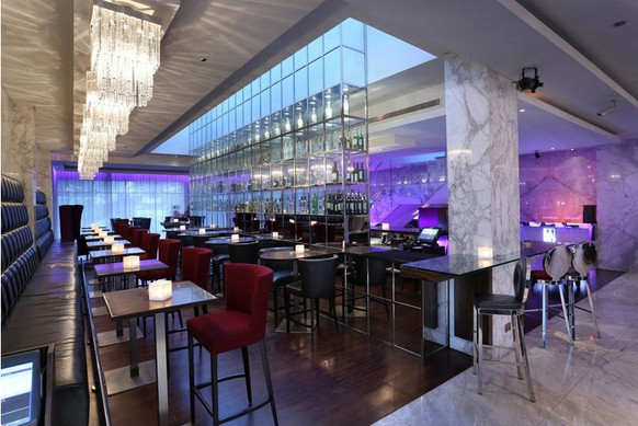 Hotel bar 03.jpg