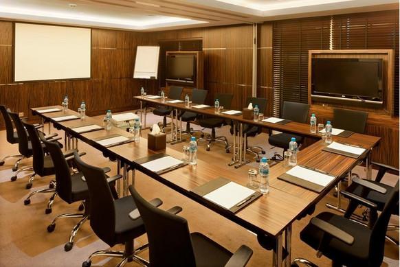 Business meeting room 02.jpg