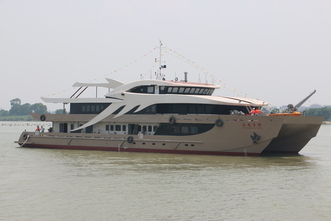 Catamaran 50m.jpg