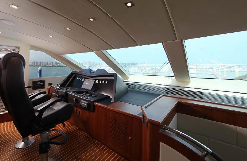 Sea Stella interior 85 15.jpg