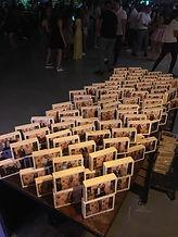 בולק עץ שהודפס באירוע