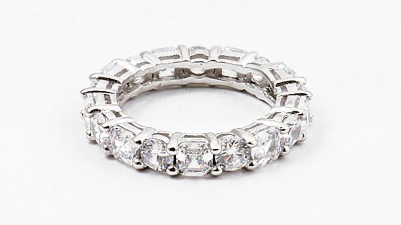 Eternal Grace Ring (Square)