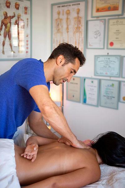 יוגה וטיפולים Yoga therapy