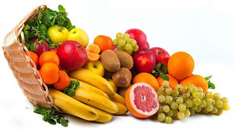 composicion-verduras-frutas-cesta-mimbre
