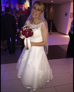 Fresh Hand Tie Red Rose Bridal Bouqet