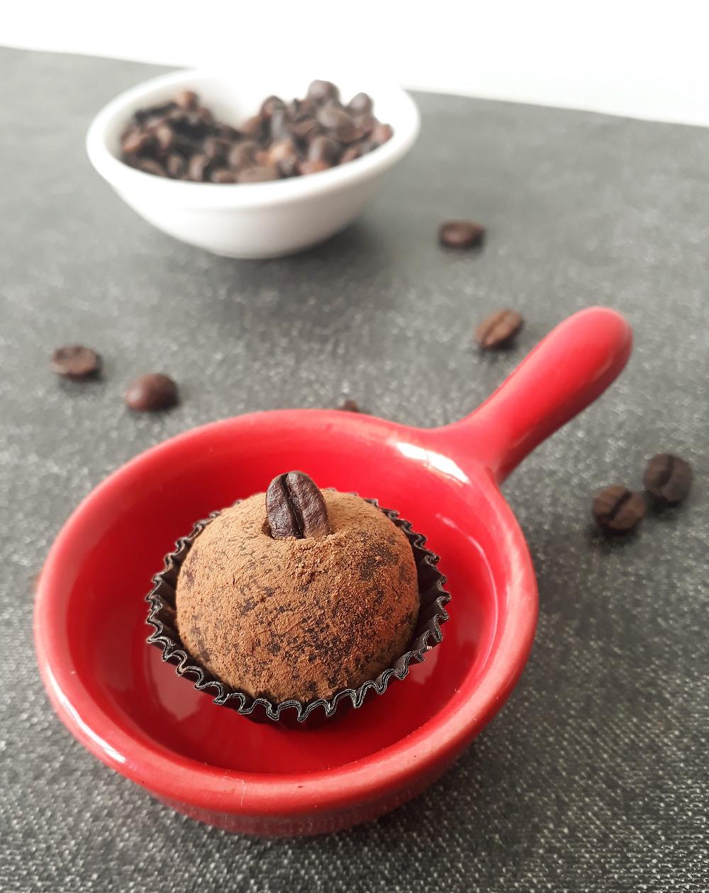 Brigadeiro de café super prático de fazer e delicioso. Receita fácil
