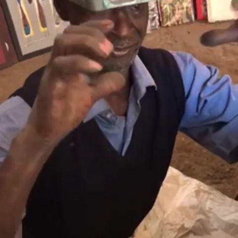 Alain, artisan bronzier.