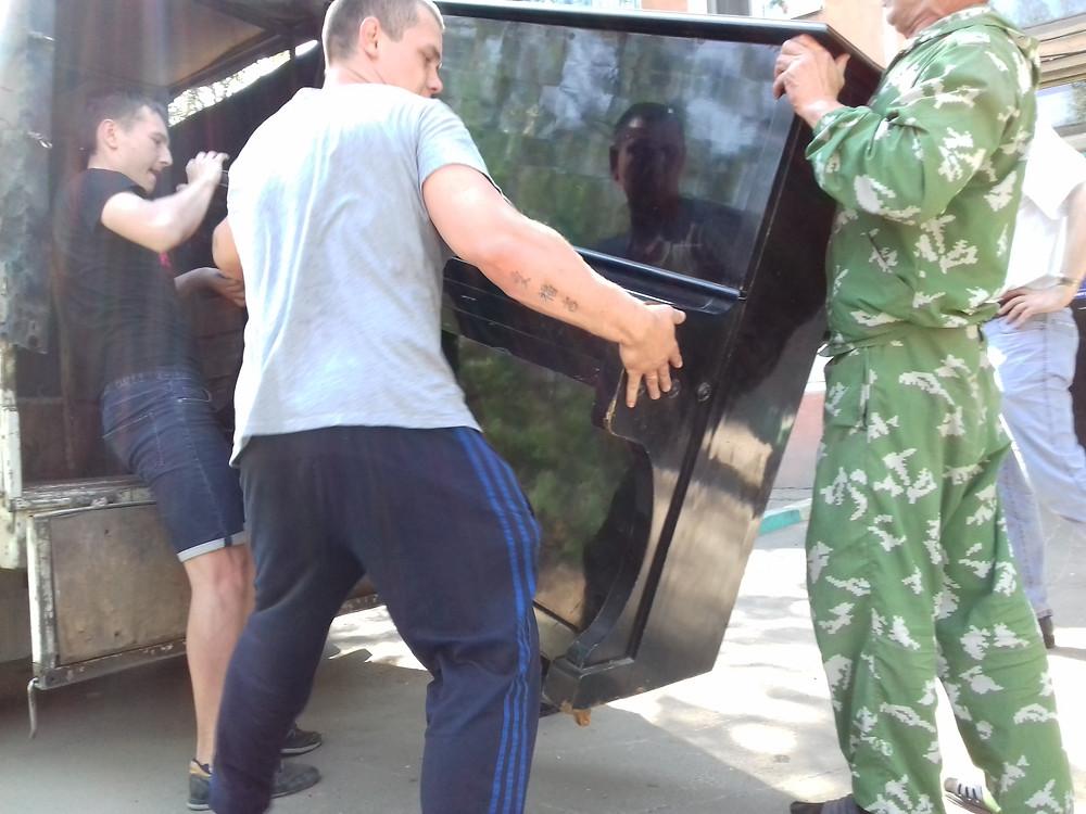 Грузовая перевозка пианино в Улан-Удэ с грузчиками