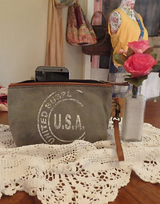 USA Small Clutch