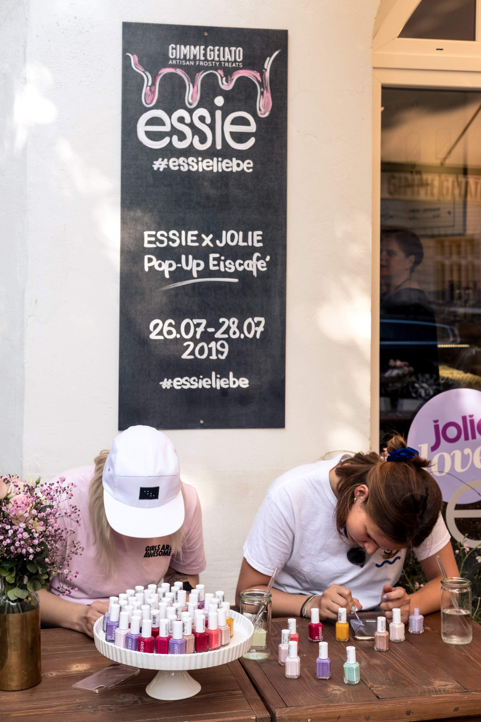 jolie x essence - ice cream parlour